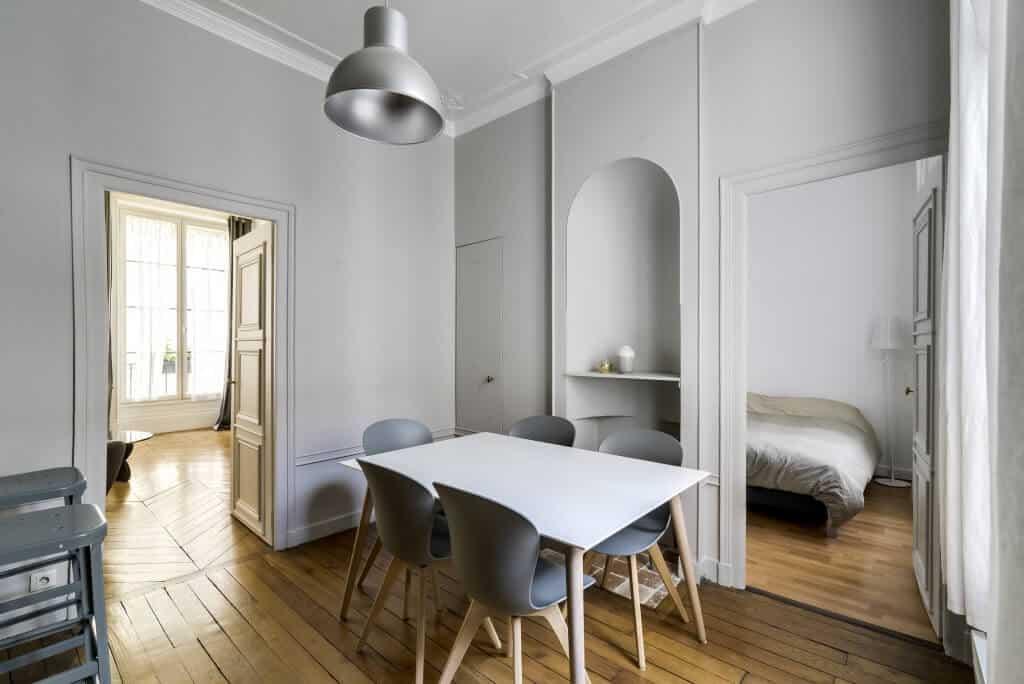 peintures farrow ball dans un appartement monsieur. Black Bedroom Furniture Sets. Home Design Ideas