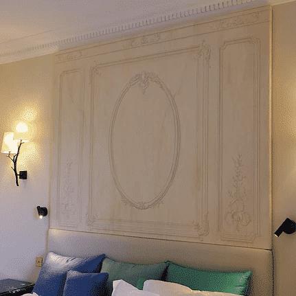 Hotel : toile peinte pour tête de lit