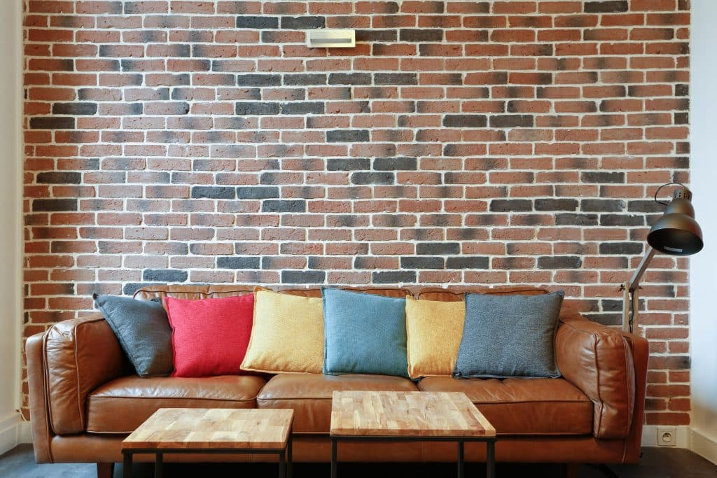 mur parement brique briques intrieur with mur parement brique awesome brique perfore lopard xx. Black Bedroom Furniture Sets. Home Design Ideas