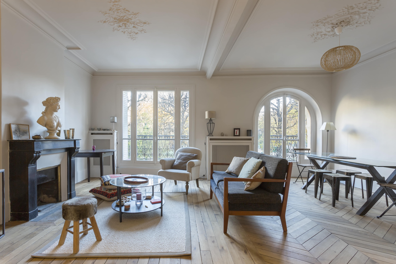 r novation compl te monsieur peinture. Black Bedroom Furniture Sets. Home Design Ideas