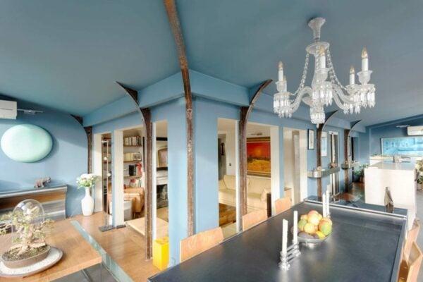 Peinture Argile et électricité dans un appartement avec moulures