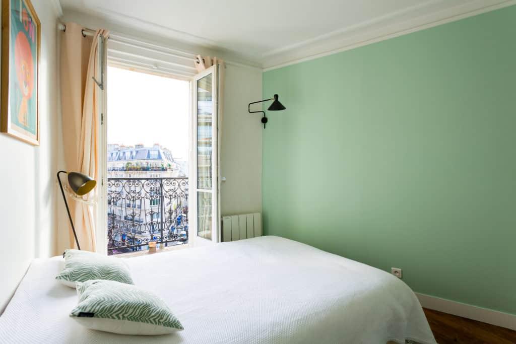 comment agrandir visuellement son appartement. Black Bedroom Furniture Sets. Home Design Ideas