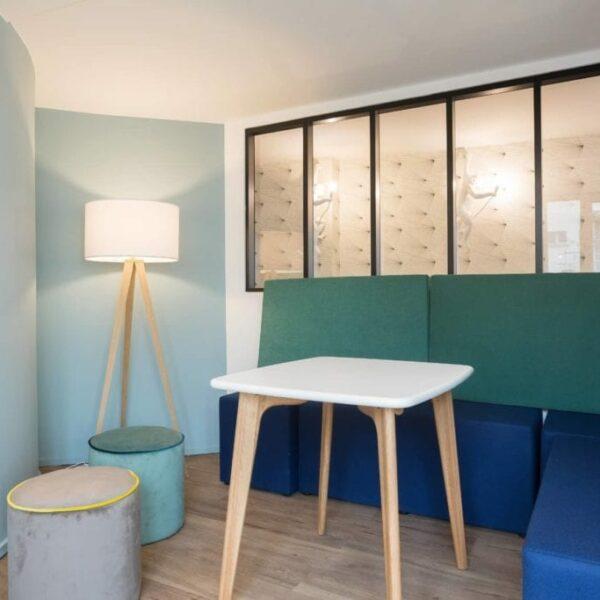 Papier peint et peinture dans bureaux à Paris