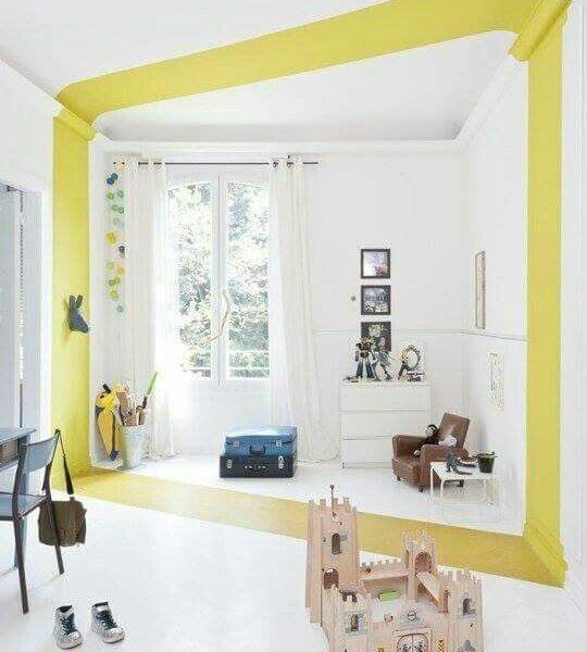 Bande colorée du sol au plafond