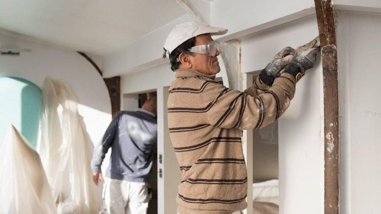 Lessiver Un Mur Avant Peinture quelle préparation pour un mur en mauvais état ? - monsieur