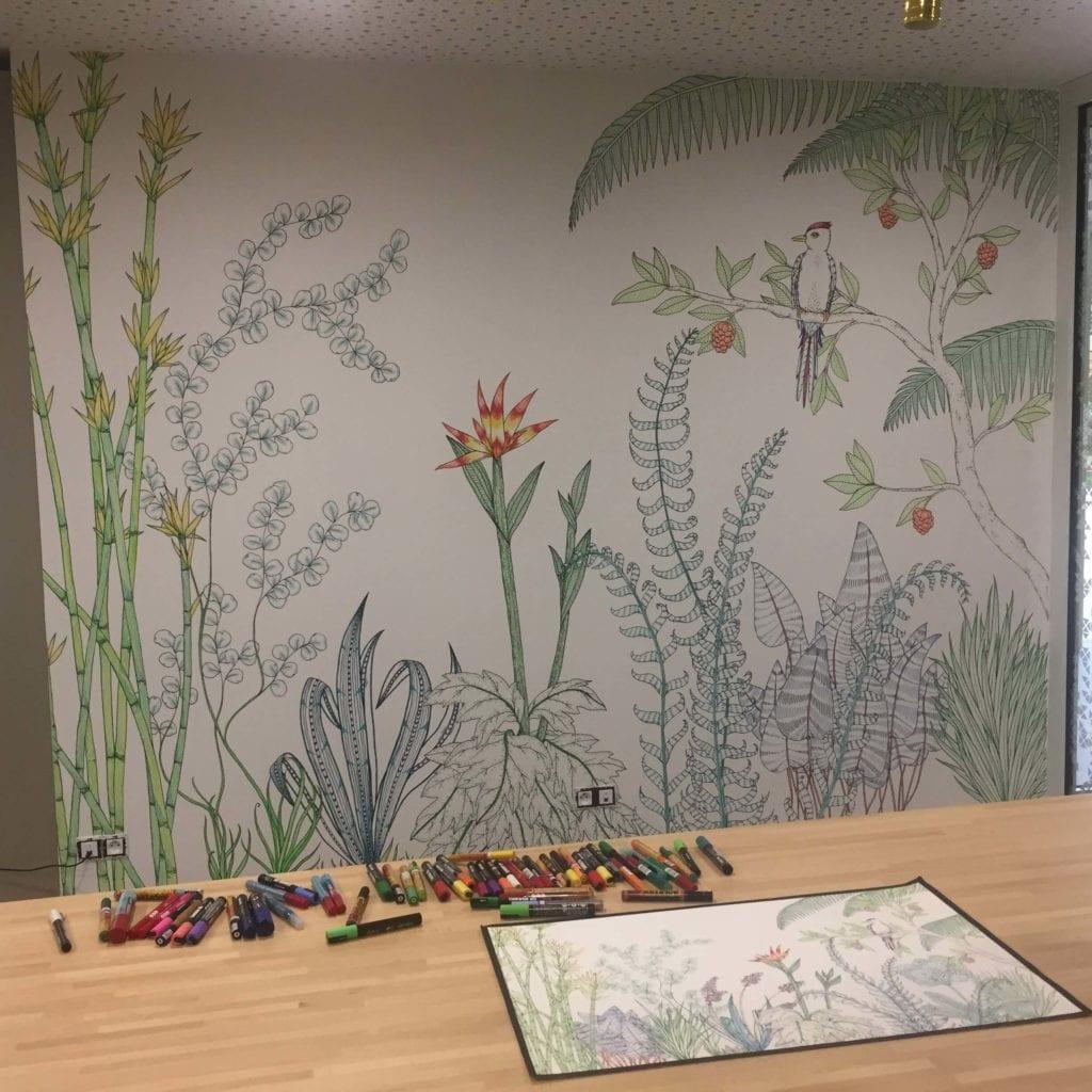 Fresque végétale dans un espace de coworking