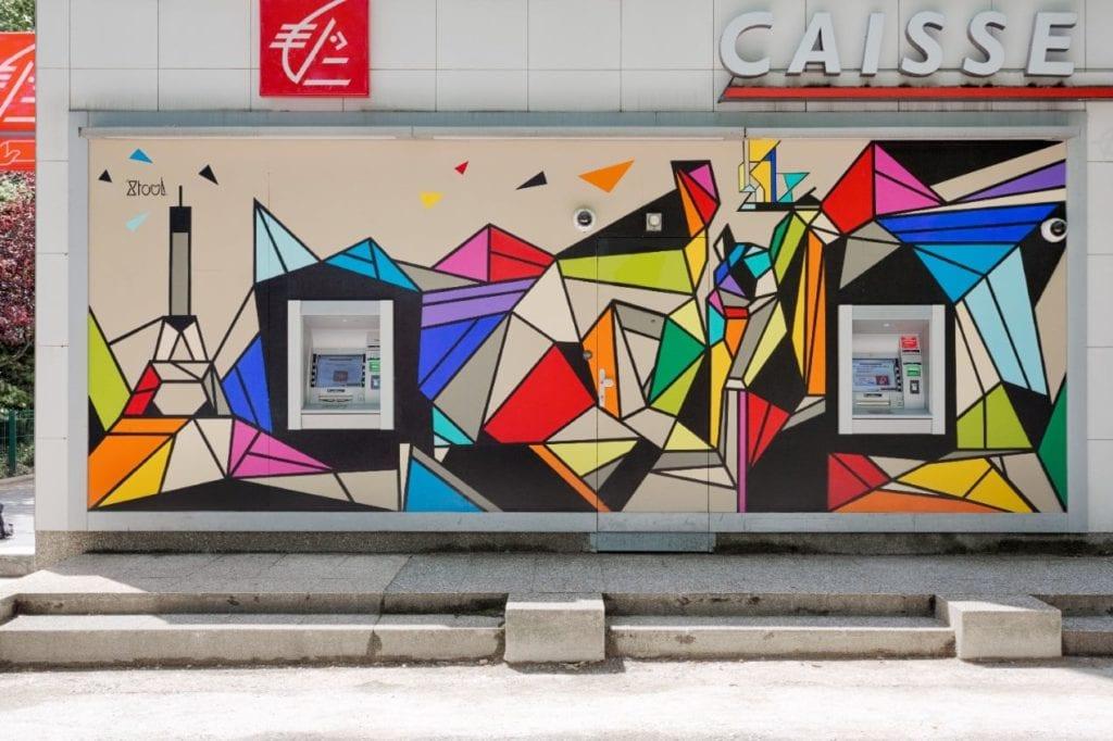 Grande fresque sur façade d'une agence bancaire