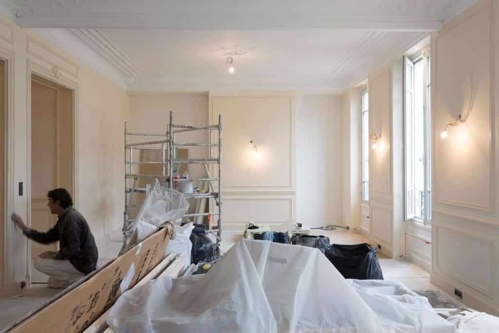 12 teintes et 4 papiers peints à Paris