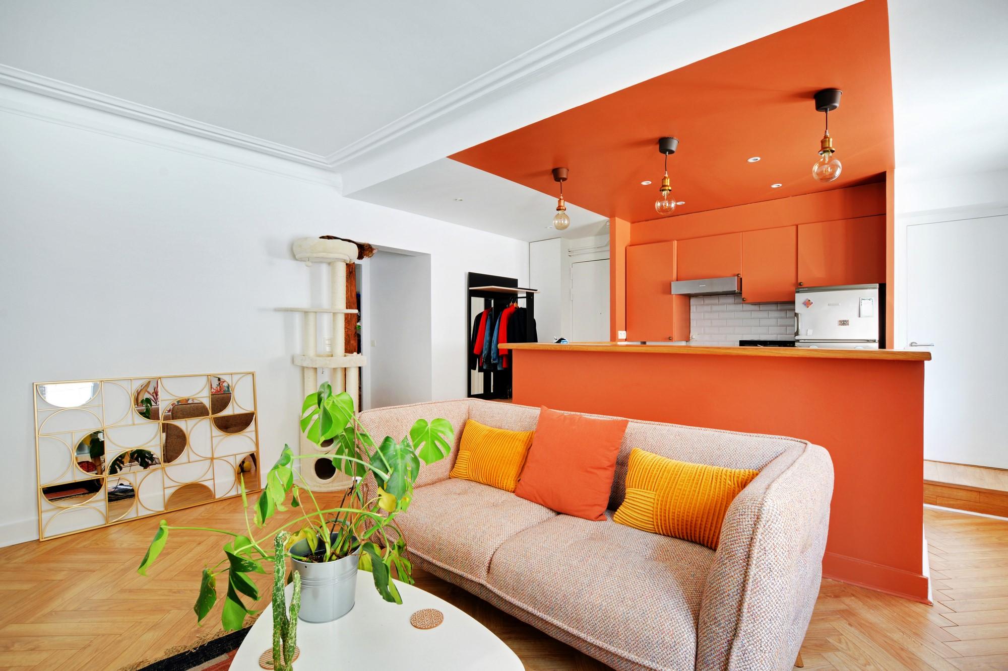 Cuisine et chambre rénovée avec peintures Tollens